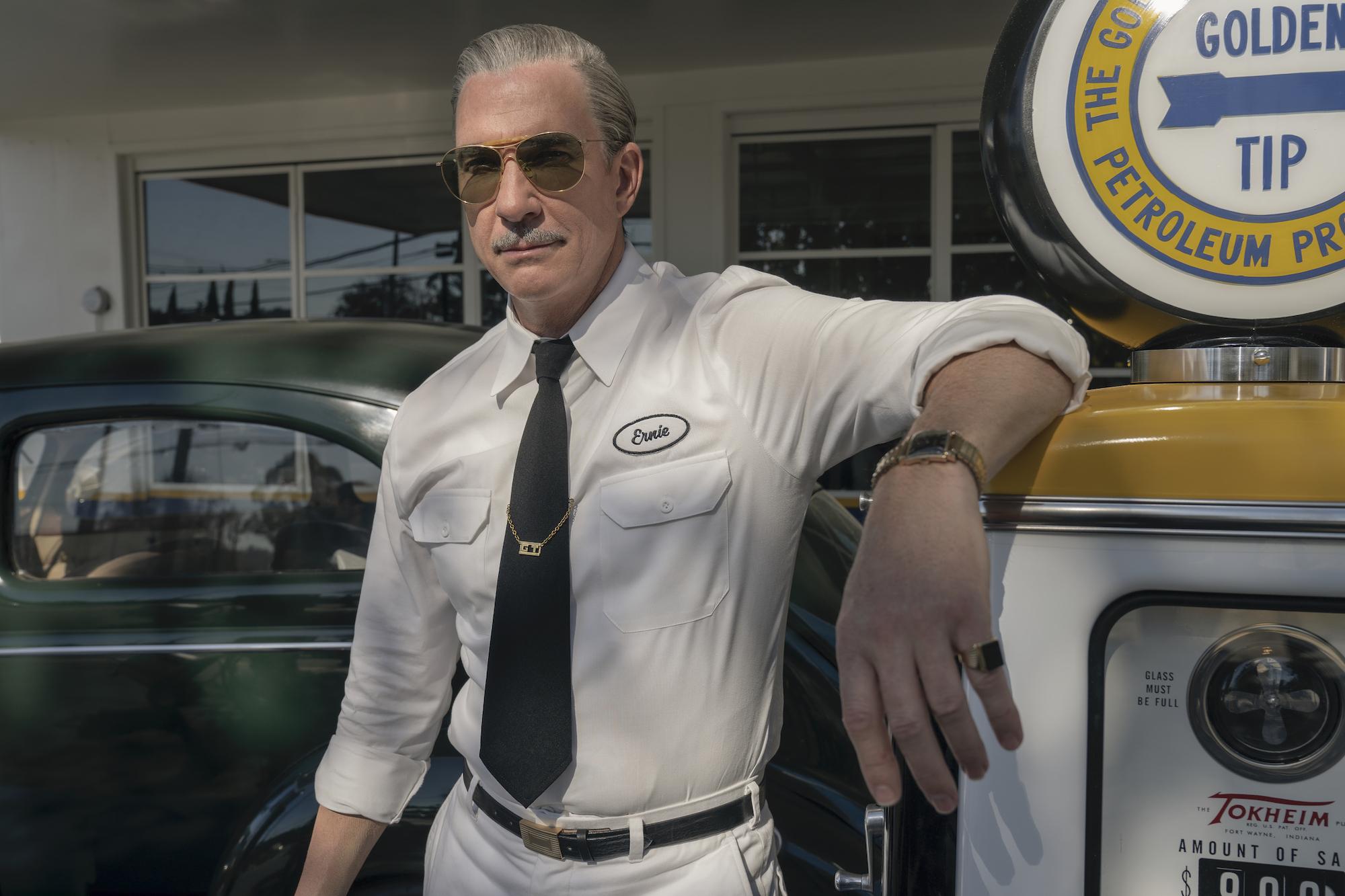 Hollywood-Netflix-Gas-Station-Scotty-Bowers