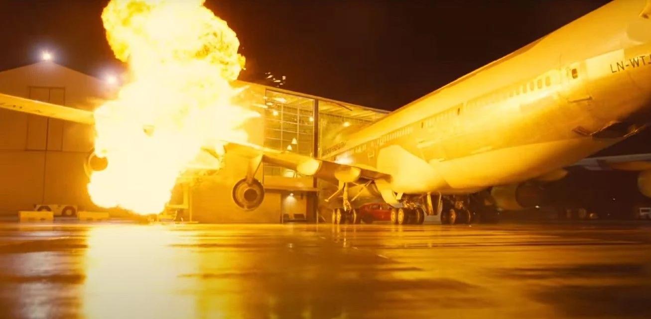 tenet-planeexplosion